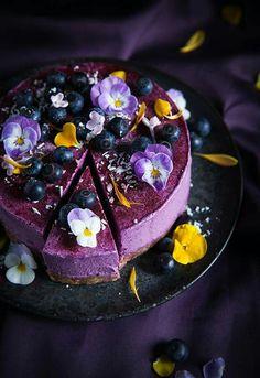 callmecupcake pansy violet blueberry cheesecake