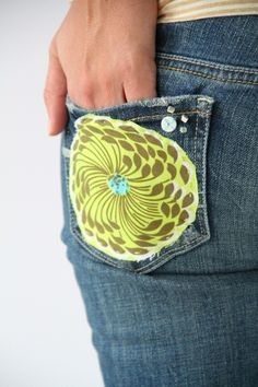 such a cute idea! adding some color and interest to your comfortable jeans without going overboard