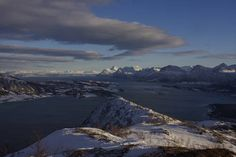 Utsikten når man kommer opp på ryggen mot Hammarøy.