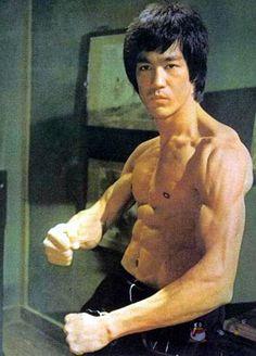 Bruce Lee (November 27, 1940 - July 20, 1973) Chinese American Hong Kong actor, filmproducer, screenwriter, filmdirector