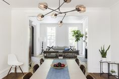 An Unfussy Brooklyn Brownstone from Architect Elizabeth Roberts (Remodelista: Sourcebook for the Considered Home) Brooklyn Brownstone, Brooklyn House, Top Interior Designers, Best Interior Design, Interior Paint, Elizabeth Roberts, Townhouse Designs, Classic Interior, Step Inside