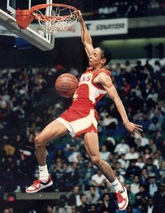 Spud Webb , the shortest NBA Slam Dunk Champ shows he still can dunk at age 50 . Spud Webb is notoriously known for being one of the shorte. I Love Basketball, Basketball Pictures, Basketball Legends, Basketball Players, College Basketball, Basketball Videos, Basketball Court, Spud Webb, Lebron James