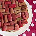 Cheesecake à la rhubarbe confite