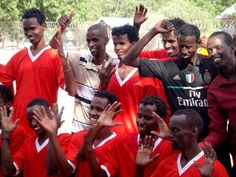These refugees in the Dadaab refugee camps have shown that a hearing disability is no hindrance to playing sports; next up for the football team is a tournament in Nairobi.  © UNHCR