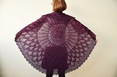 I really must make this pattern, leaves of grass by Jared Flood, this version is so very stunning.
