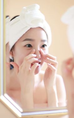 What is glass skin?  Think smooth, flawless, poreless skin with a beautiful, almost ethereal sheen to it. Mul-gwang is the Korean term for this finish, but it's also been described as water glow or sheer skin, and it's less about make-up and much more about a strategic, effective skincare regiment.