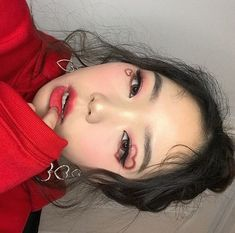 19 Ideas Grunge Makeup Tutorial Red For 2019 Edgy Makeup, Grunge Makeup, Eye Makeup Art, Asian Makeup, Hair Makeup, Makeup Style, Korean Makeup, Grunge Hair, Korean Skincare