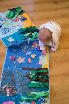 """""""Under the sea"""" play mat Baby Sensory Play, Baby Play, Baby Toys, Diy Quiet Books, Felt Quiet Books, Camping Mit Baby, Quiet Book Patterns, Book Quilt, Infant Activities"""