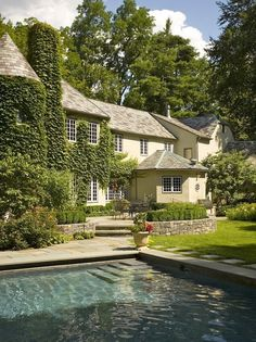Types Of Siding, Virginia Creeper, Flowering Vines, Old Buildings, Better Homes, Trellis, Perennials, Home And Garden, Mansions