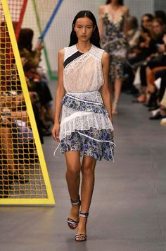 Peter Pilotto spring/summer 2016 collection show pictures | Harper's Bazaar