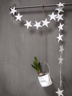 Atelier rue verte, le blog / Les jolies choses de Noël #11 / Un mur décoré par Daniella Witte /