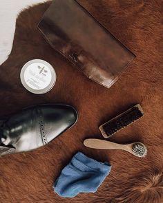 """shperka_slovakia na Instagrame: """"Kvalitné topánky sú základ, ale vyshperkované topánky sú výsada😉 #dapper #dnesnosim #slovakia #classics #minimalizmus #vyshperkujsa…"""" Pocket, Instagram, Bag"""