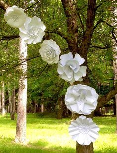 Large Paper Flower Set Outdoor Wedding Decor Wedding by Itheedecor