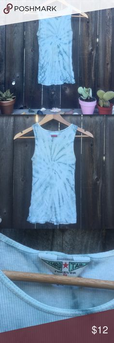 HARD TAIL BLUE AND WHITE TANK TOP HARD TAIL BLUE AND WHITE TANK TOP SZ SMALL Hard Tail Tops Tank Tops