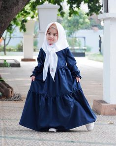 and baby hijab Model Gamis Anak Terpopuler Das beliebteste Gamis-Kindermodell Baby Outfits, Cute Outfits For Kids, Baby Girl Dresses, Cute Dresses, Baby Hijab, Dress Anak, Hijab Stile, Trendy Baby Clothes, Muslim Girls