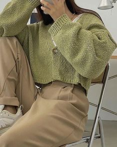 Korean Outfits, Mode Outfits, Retro Outfits, Cute Casual Outfits, Vintage Outfits, Fashion Outfits, Simple Outfits, 90s Fashion, Aesthetic Fashion