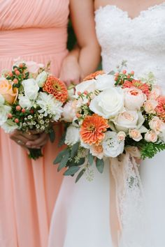 Peach themed wedding: http://www.stylemepretty.com/little-black-book-blog/2014/10/29/peach-summer-wedding-at-the-oaks/ | Photography: Natalie Franke - http://www.nataliefranke.com/