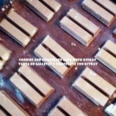COOKIES AND CHOCOLATE CAKE WITH KITKAT / TARTA DE GALLETAS Y CHOCOLATE CON KITKAT