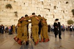 soldiers dance at Wailing Wall before Rosh Hashana