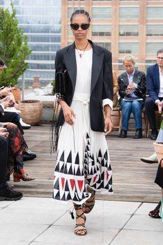 Oscar de la Renta New York - Spring Summer 2019 Ready-To-Wear - Shows - Vogue. Fashion 2018, Fashion Week, Runway Fashion, High Fashion, Fashion Looks, Fashion Outfits, Fashion Trends, Women's Fashion, Vogue