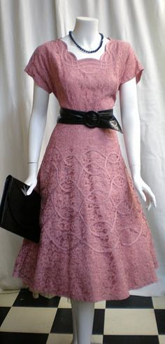 pink vintage - again, all in the detail.#Repin By:Pinterest++ for iPad#