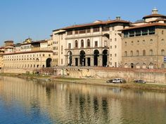 Florence, Italy 2018 - Tourist Travel Guide for Holidays in Florence, Firenze