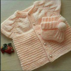 This Pin was discovered by Gül Easy Knitting Patterns, Knitting For Kids, Crochet For Kids, Knitting Designs, Knitting Socks, Baby Patterns, Baby Knitting, Crochet Baby Sweaters, Knitted Baby Clothes