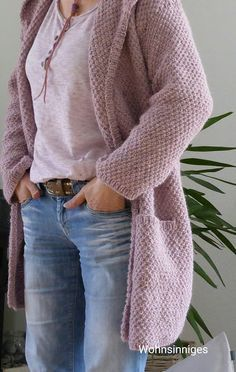 LIVING: Cardigan More Record of Knitting Yarn spinning, weaving and sewing jobs such as for instance BC. Crochet Pullover Pattern, Poncho Knitting Patterns, Knitted Poncho, Knit Crochet, Crochet Patterns, Knitting Yarn, Crochet Ideas, Diy Laine, Simply Crochet