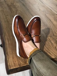 Buckle Detail Calf-Leather Shoes Tan – BOJONI When scouting for shoes or boots for guys, Tan Loafers, Tan Shoes, Dress Shoes, Shoes Uk, Loafer Shoes, Leather Shoes Brand, Casual Leather Shoes, Gents Shoes, Gentleman Shoes