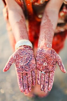 60 Stunning Henna Tattoos and Designs too Incredible to Describe - Beste Tattoo Ideen Mehndi Tattoo, Henna Tattoos, Henna Tattoo Designs, Henna Mehndi, Moon Tattoos, Tattoo Art, Latest Mehndi Designs, Mehndi Designs For Hands, Bridal Mehndi Designs
