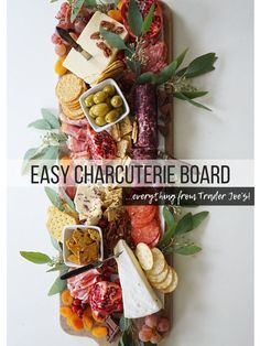 DIY Charcuterie Board from Trader Joe's - Party, Geburtstag und Co - Cheese Board Charcuterie Recipes, Charcuterie Platter, Charcuterie And Cheese Board, Cheese Boards, Cheese Board Display, Antipasto Platter, Antipasti Board, Tapas Platter, Platter Ideas