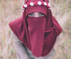 Pink rose Niqabi in the wilderness