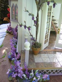 A lovely lilac corner from http://robincarey.blogspot.com