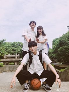 Best Friend Pictures, Bff Pictures, Boy Squad, Ulzzang Couple, Ulzzang Girl, Korean Friends, Siblings Goals, Best Friends Forever, Girls Best Friend