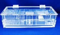 CAIXA FEITA 100% EM ACRÍLICO.  Box produced 100% in acrylic.