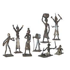 CONJUNTO ÉTNICO  REFERENCIA:  3936-4  Representación de escenas de poblado africano.  Algunas piezas antigüas en bronce.