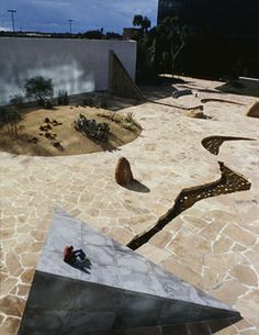 Isamu Noguchi - California Scenario Garden