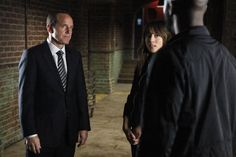 MARVEL'S AGENTS OF S.H.I.E.L.D. Season 2 Offers New Team, Old Enemies