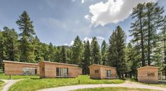 Bungalow, Switzerland Hotels, Barbecue Area, Cross Country Running, Lounge, Hotel Reservations, Camping, Paths, Woodland