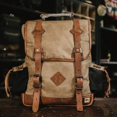 Dakota Vintage Commuter Backpack - Waxed Canvas & Leather - Navy