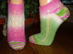 Sommerzeit - free sock pattern on Ravelry