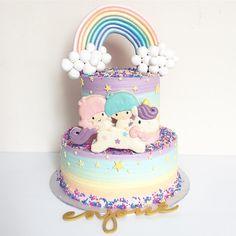 Rainbow little twin stars cake