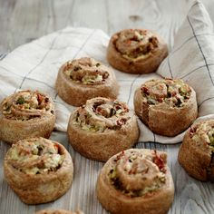 Part of the Allinson wholemeal dough collection, this bacon and cheddar scrolls recipe makes 9 scrolls, which are perfect for packed lunches, so you can have a delicious savoury treat anywhere. Find this delicious recipe here at BakingMad.com!
