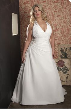 Deze mooie bruidsjurken voor de volslanke vrouw zijn verkrijgbaar bij Emb-Fashion, bruidsmode voor de volslanke vrouw te Bussum. Bruidsmode t/m maat 70!!!
