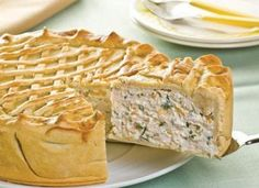 Plăcintă cu carne de pui si ciuperci, ideală ca gustare Pastry And Bakery, Apple Pie, Quiche, Tart, Bacon, Desserts, Food, Portal, Entertaining