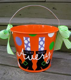 Cute Halloween Bucket..need to find something like this for Kaylie