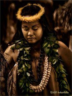 Hula Kahiko ~ Makaukau ~ Merrie Monarch 2013 photo by Gp Merfield©®™
