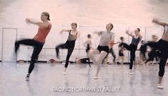 wynter-summers: balletruben: pnbawesome: PNB company women rehearsing Crystal Pite's Emergence. Love the feeling of being in sync with other dancers 🙆🏻♀️ Dance 4, Dance It Out, Just Dance, Dance Moms, Dance Photos, Dance Pictures, Ballet Class, Ballet Dancers, Dance Technique