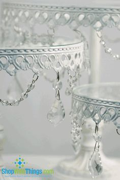 love these cake stands