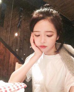 ulzzang, girl, and korean image Korean Ulzzang, Korean Girl, Beautiful Asian Girls, Beautiful People, Hwa Min, Uzzlang Girl, Ulzzang Fashion, Tumblr Girls, Cute Woman